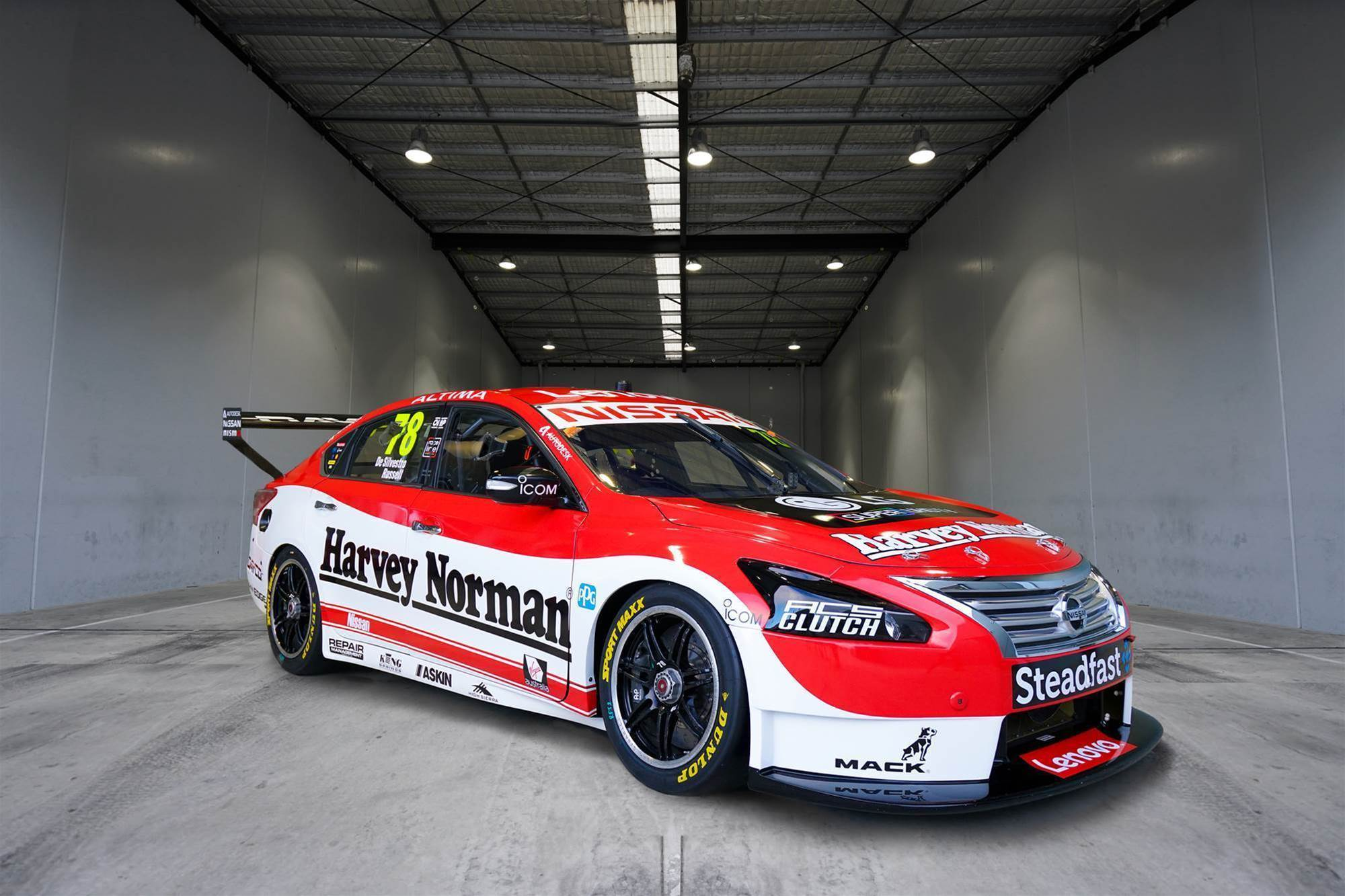Nissan unveils unique de Silvestro Sandown livery