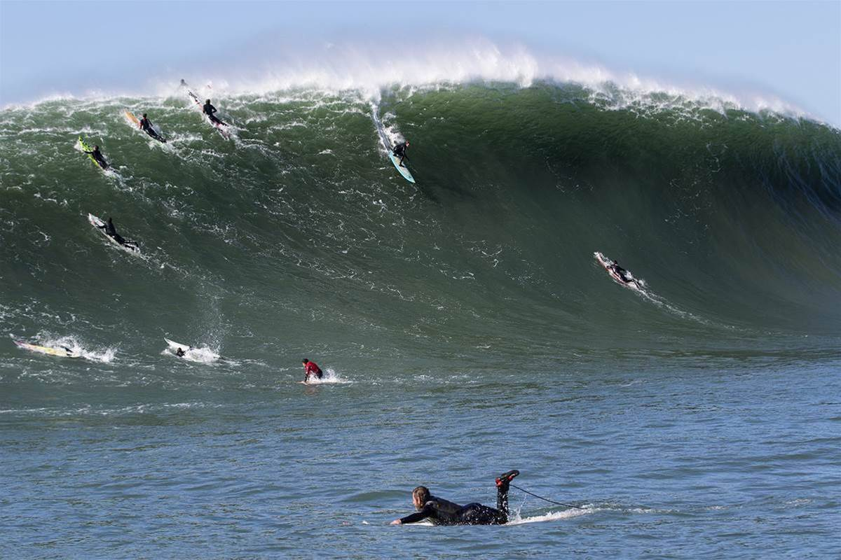 Big Wave Scene Heats Up