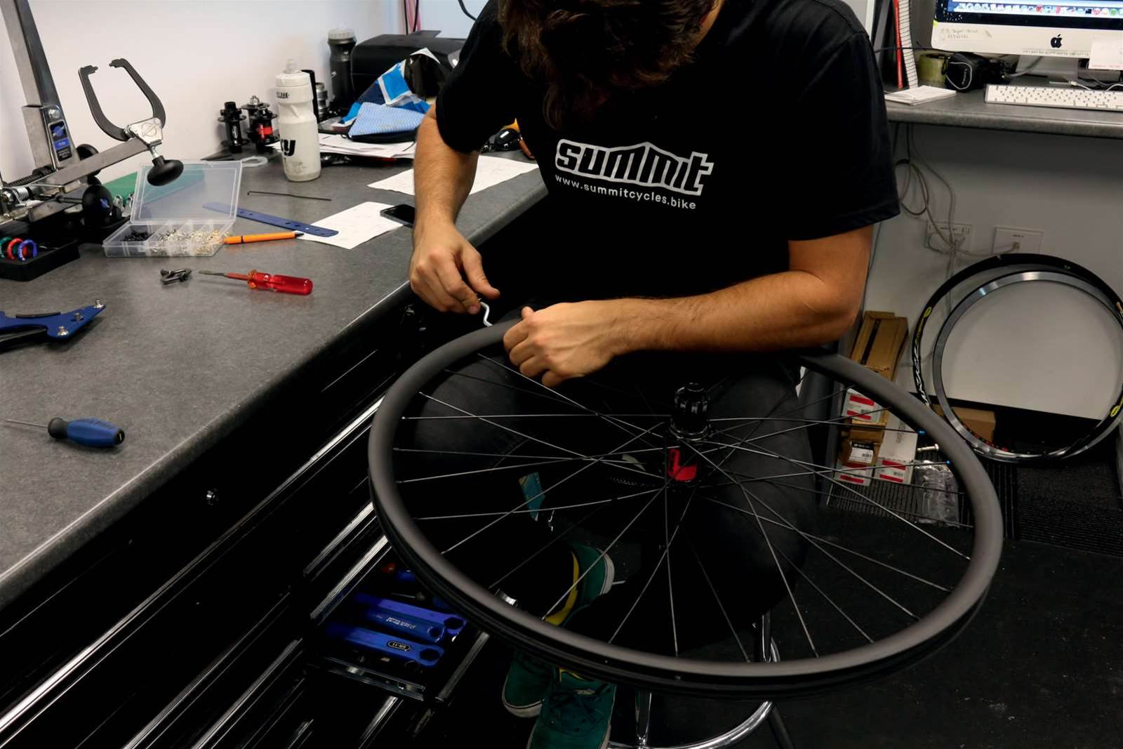 How to build your own wheels in fourteen steps