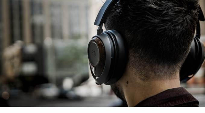 The Ora GQ headphones use graphene to deliver outstanding sound