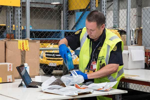 Border Force throws out paper for parcel clearances