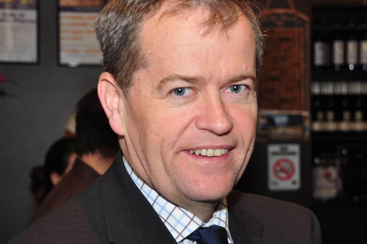 Shorten slams 'undermining' of NBN Co board