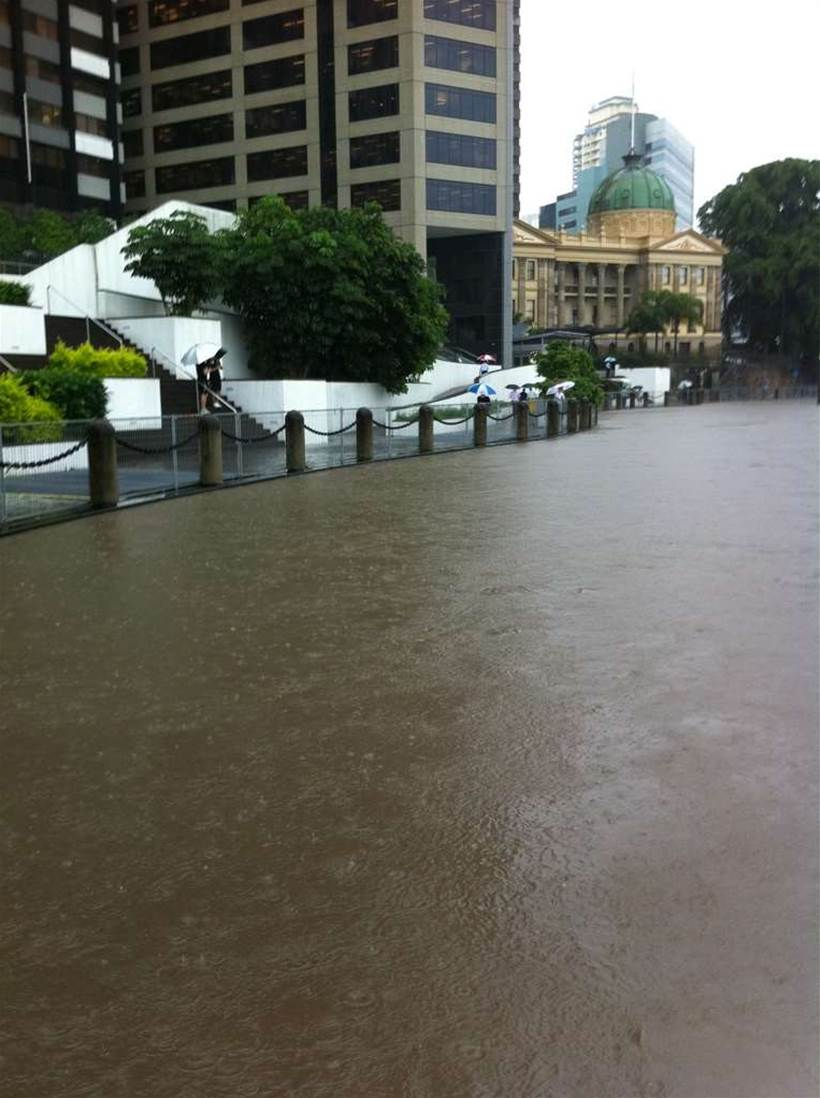 QUT creates IoT-enabled buoy to track floods
