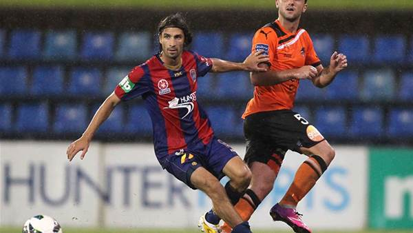 Caravella re-signs with Newcastle Jets
