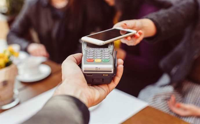 ACCC makes big banks wait on Apple Pay