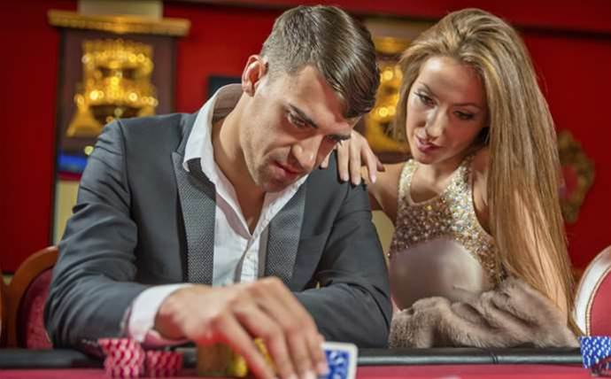 This malware shows your online poker hand to criminals
