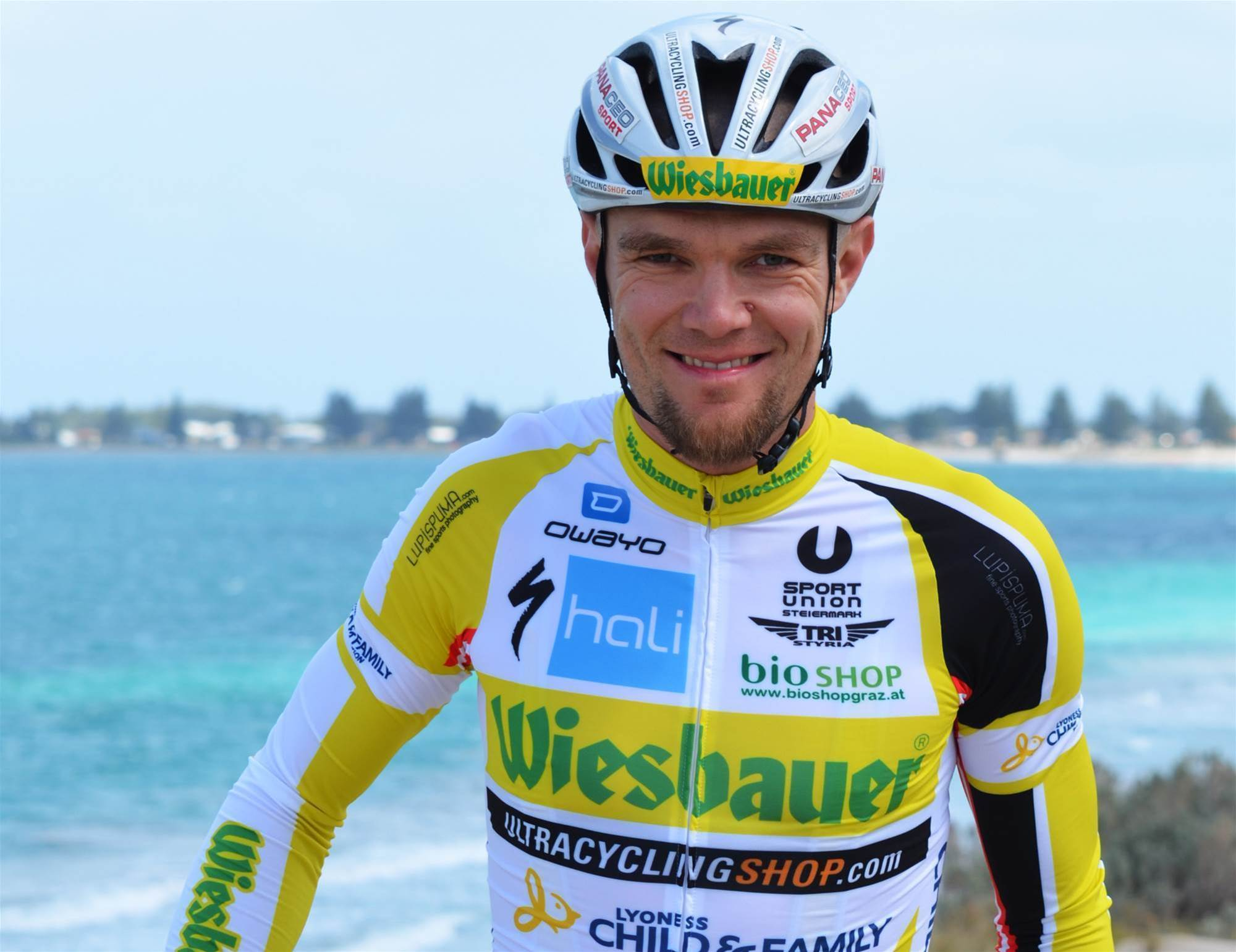 Austrian cyclist attempts record Perth-Sydney marathon ride