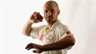 How to bowl leg spin, as revealed by Jason Krejza
