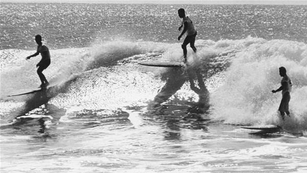 Australian surfing icon dies