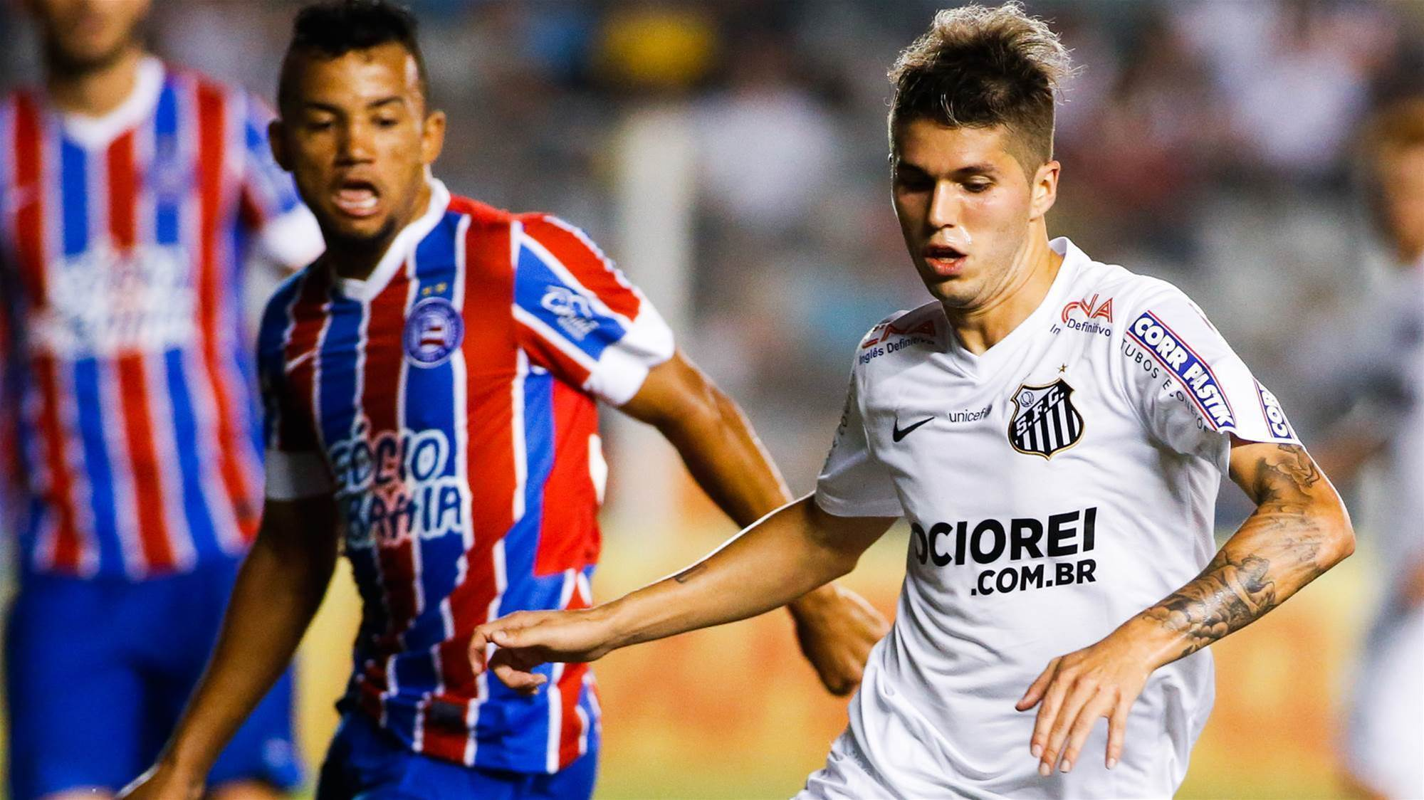Newcastle Jets keen on Argentinean midfielder Patito Rodriguez