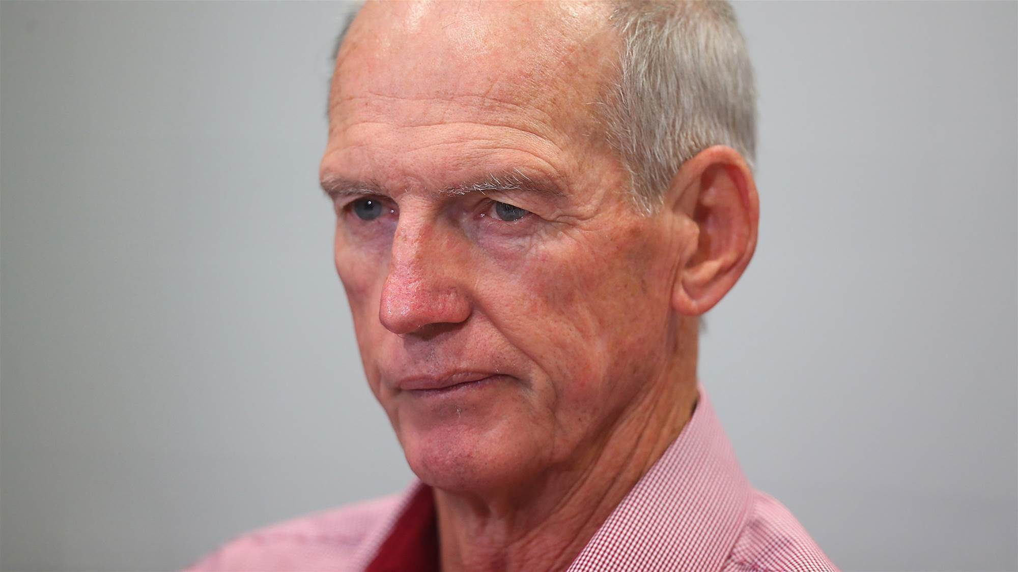 Bennett calls cops over media intrusion