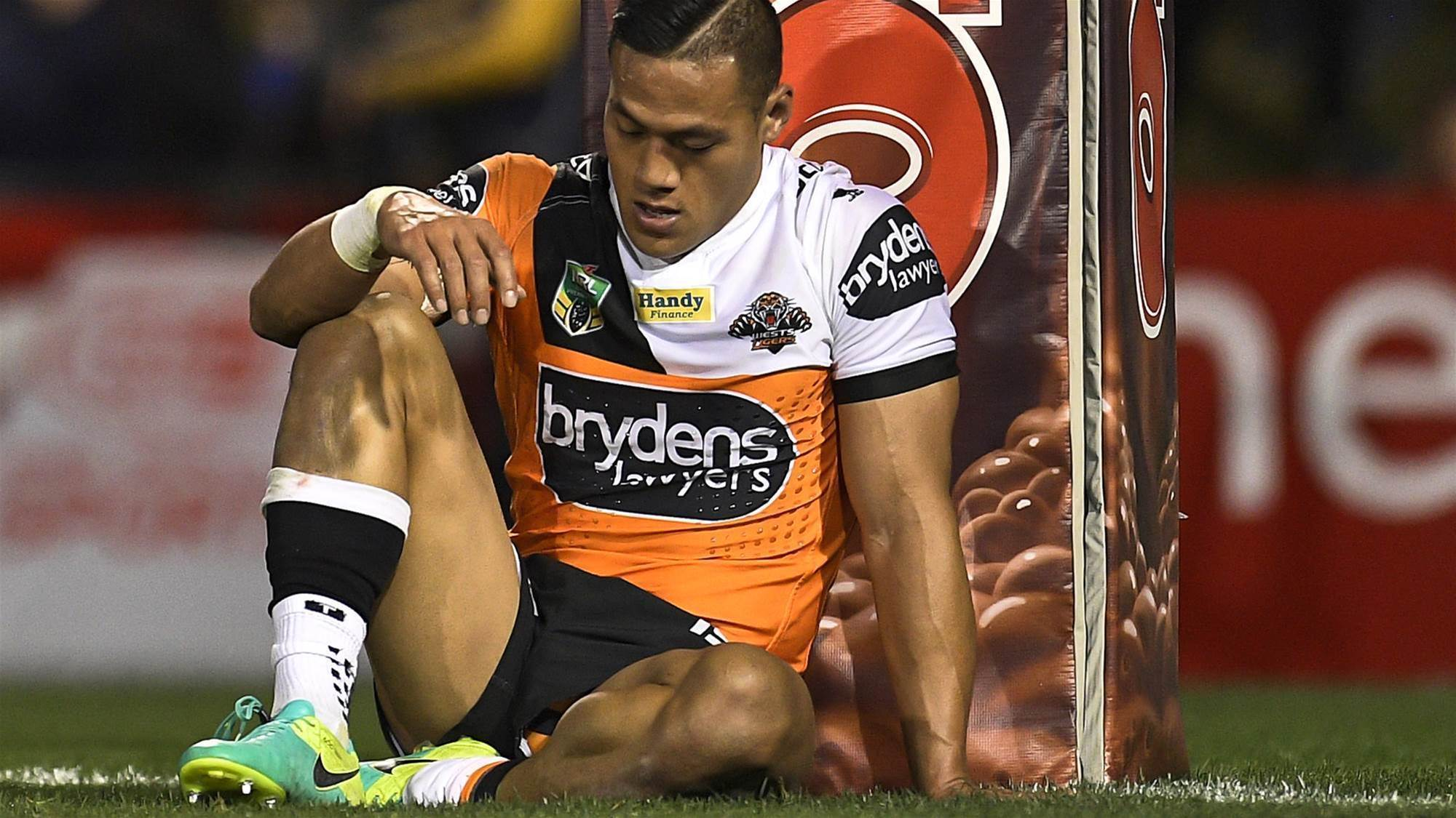 Police investigating NRL star for match-fixing