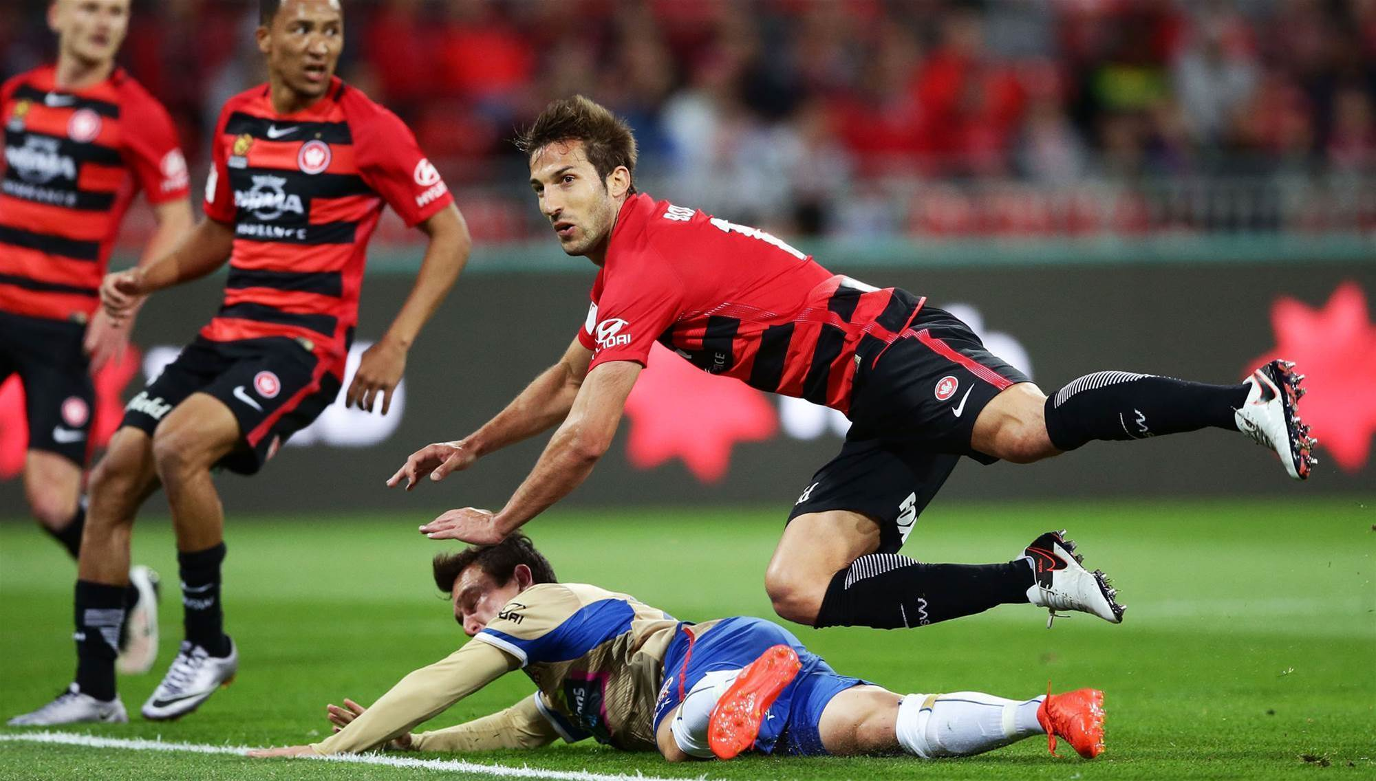 Defender latest to exit Wanderers