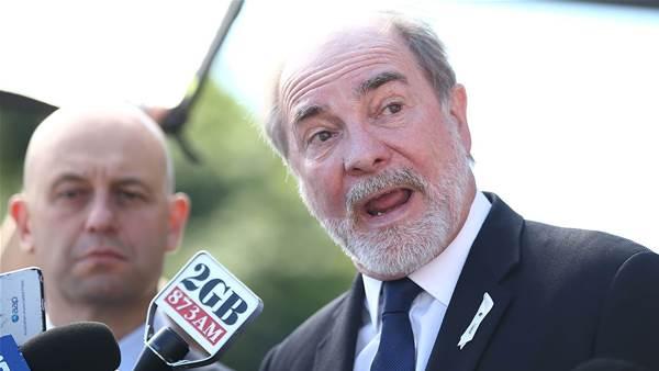 ARL chairman refuses to stand down despite mutiny