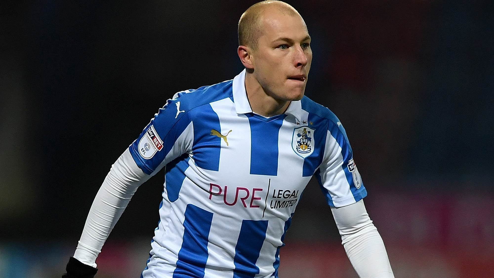 Mooy strike not enough for Huddersfield
