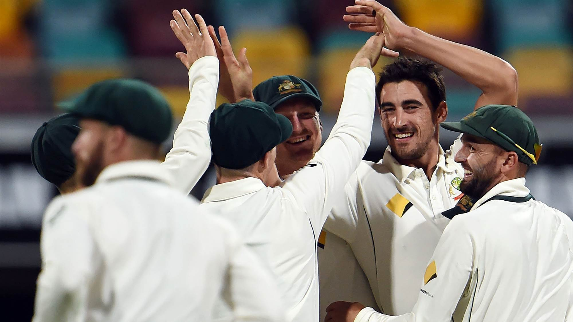 Smith praises Starc as Aussies claim opening Test