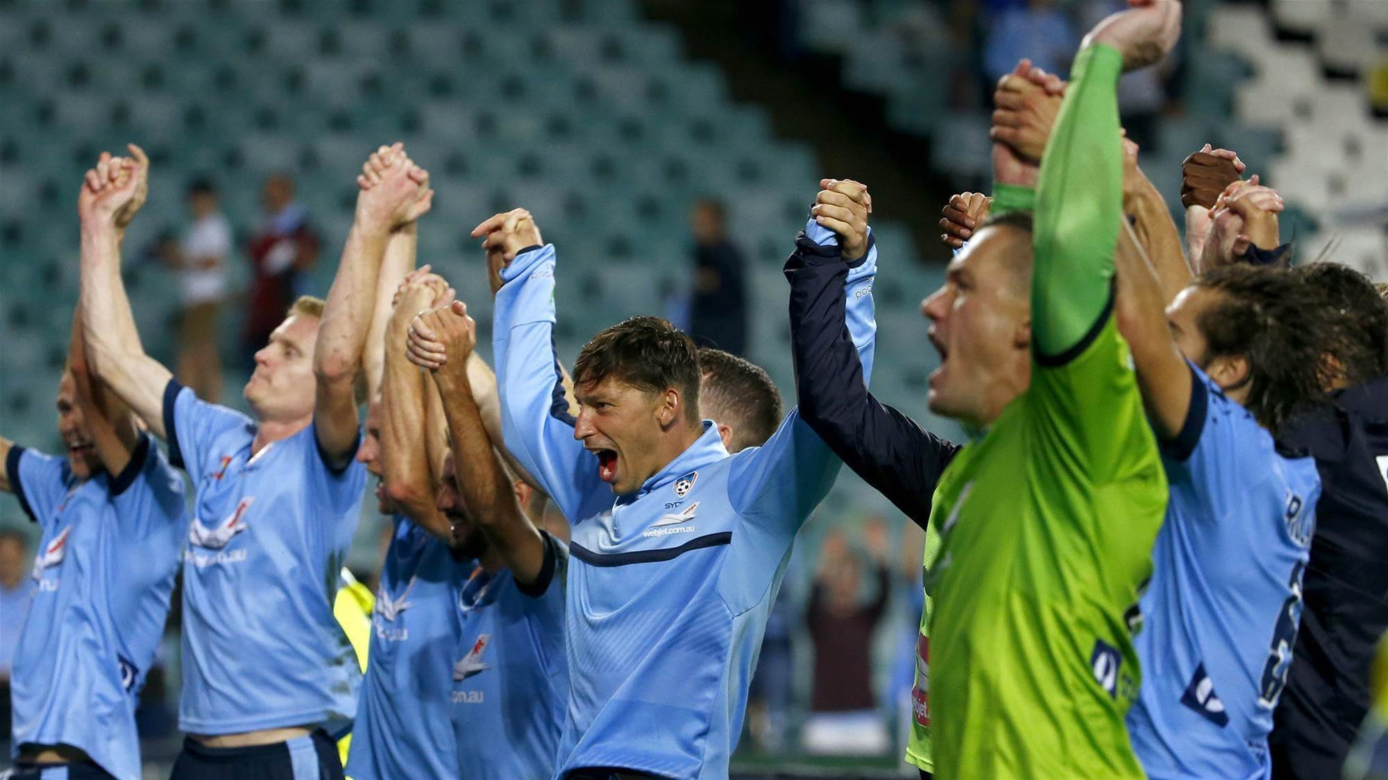 Sydney have 'mental advantage' over Victory - Arnie