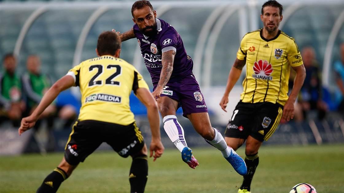 Lowe looks to La Liga for next Castro
