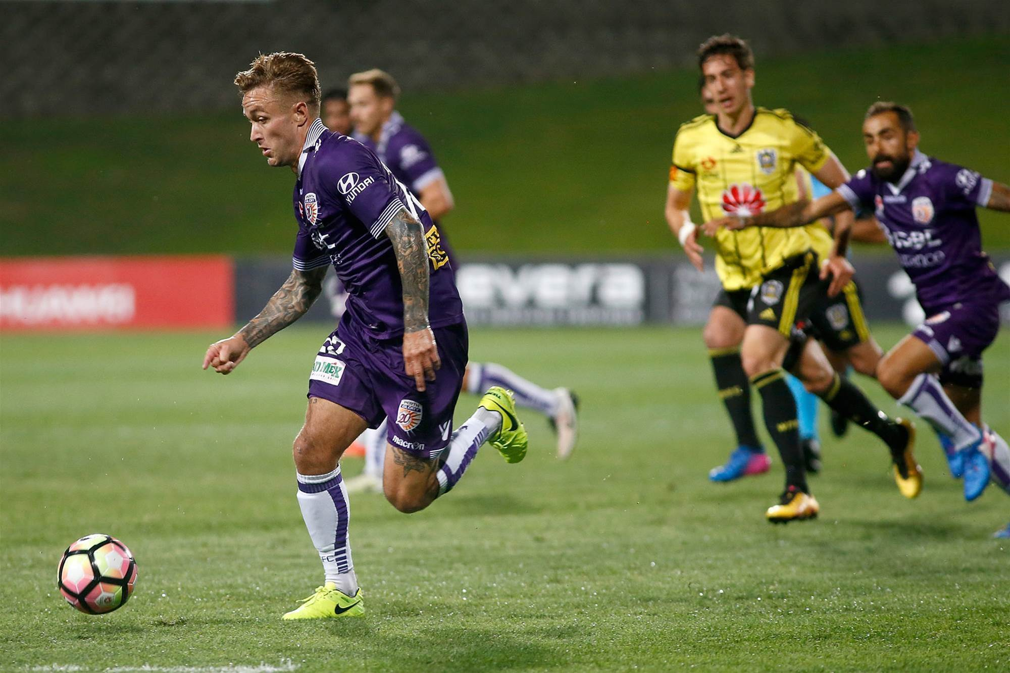 Lowe praises Glory's 'untouchables'