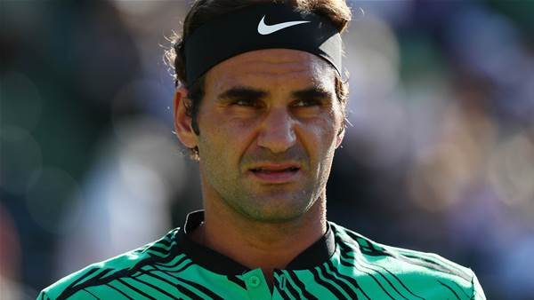 Federer makes French Open call