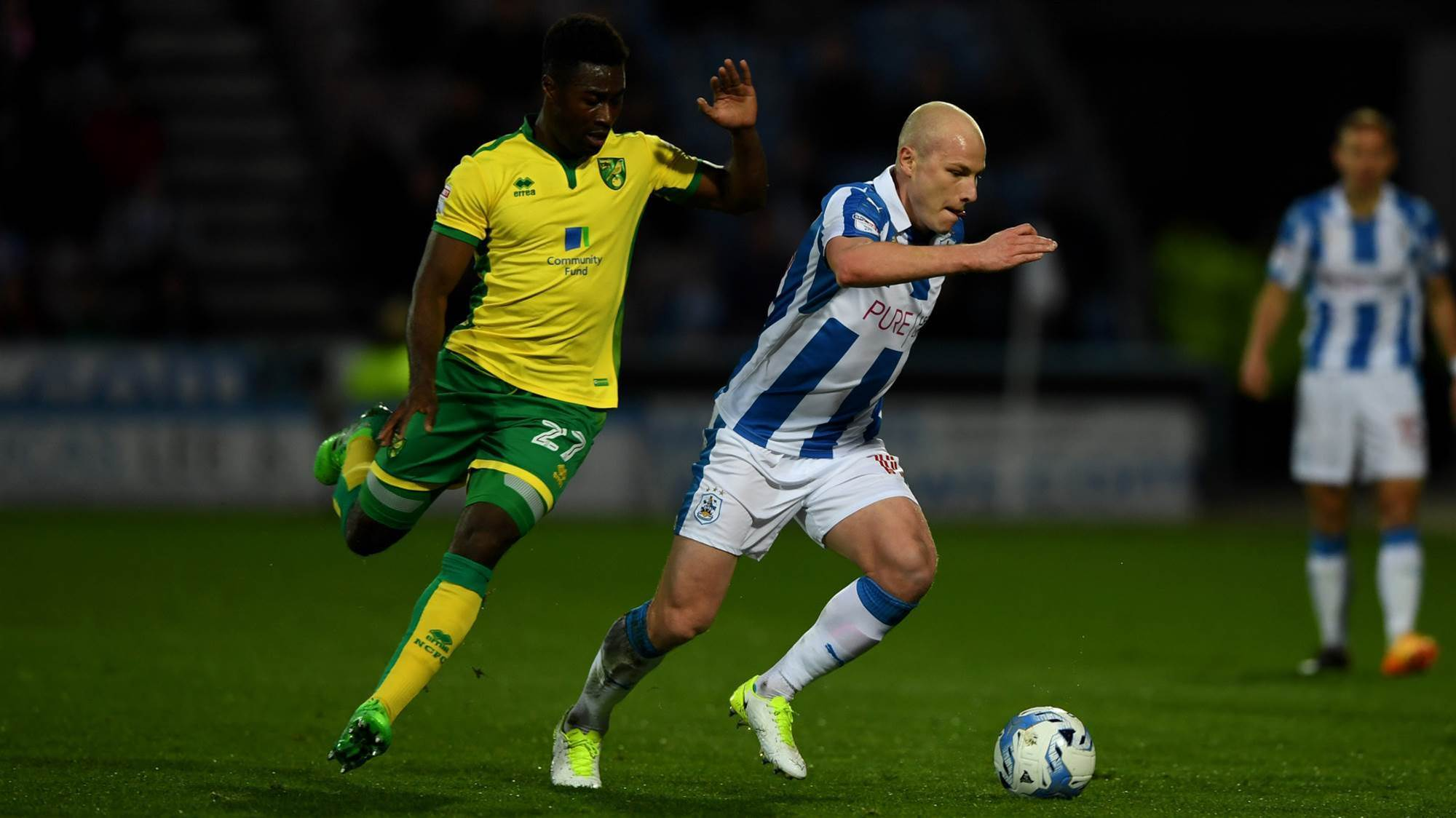 Mooy the 'heart' of Huddersfield - Wagner