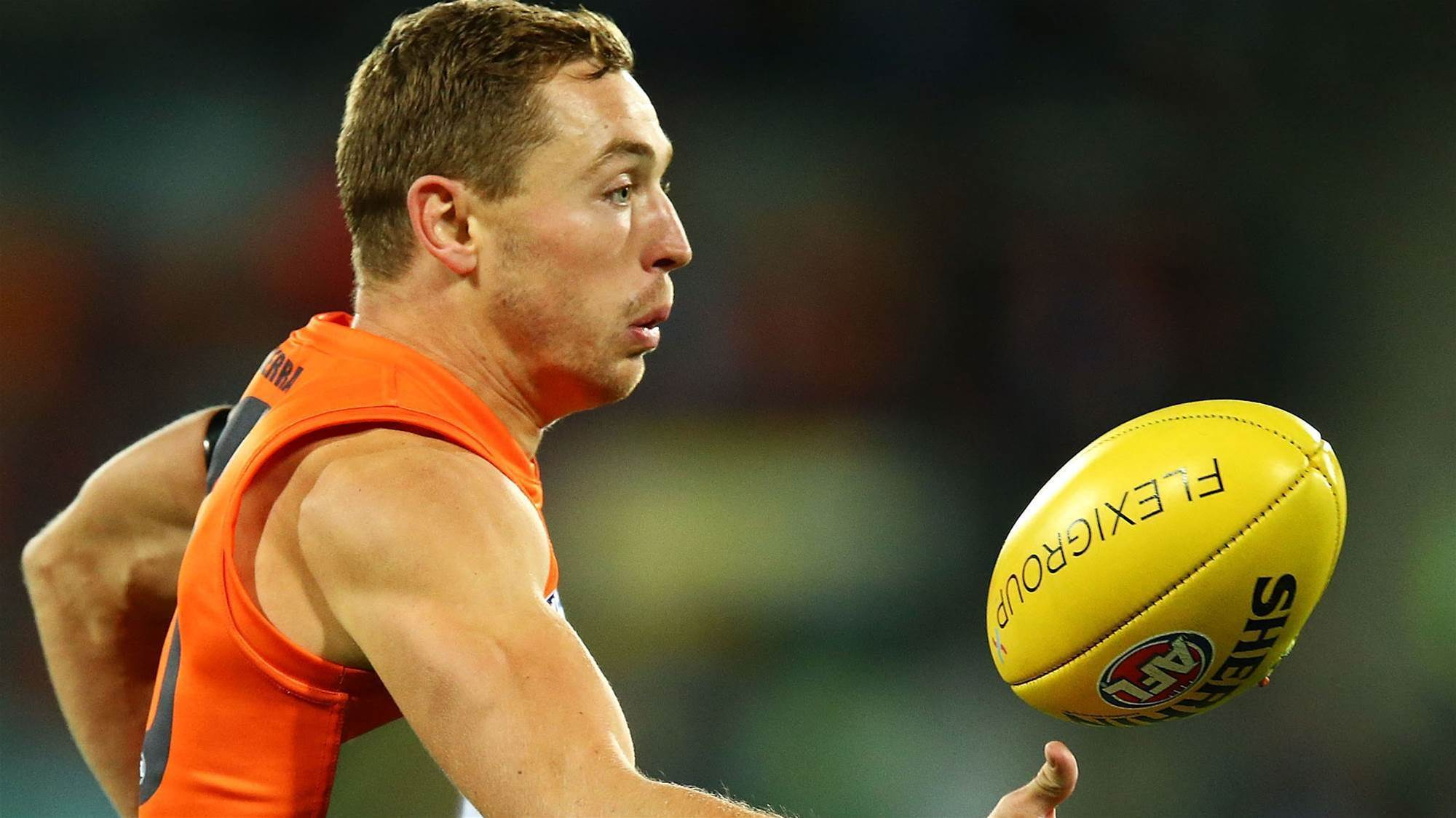 Giants lose star for crucial clash