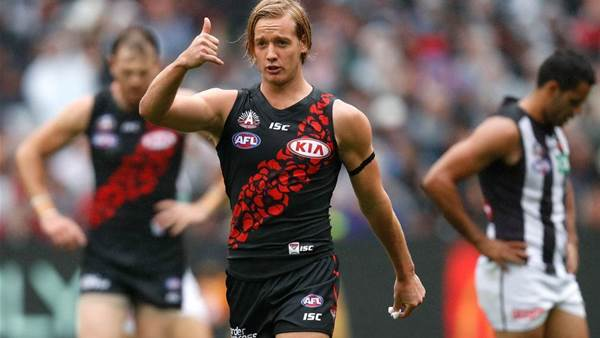 Bombers re-sign young onballer