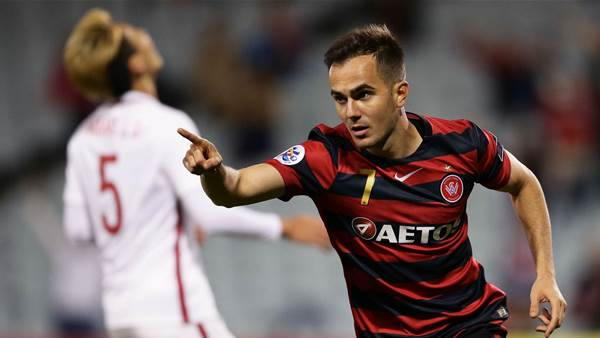 Wanderers finish last despite win