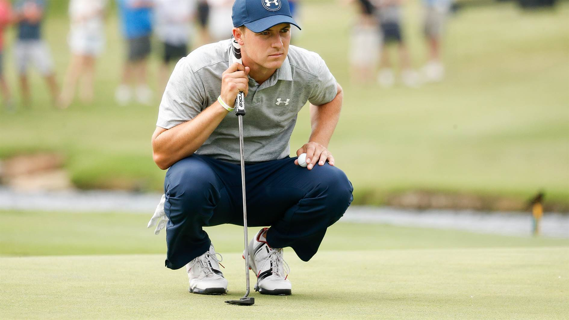Spieth looks for putting answers
