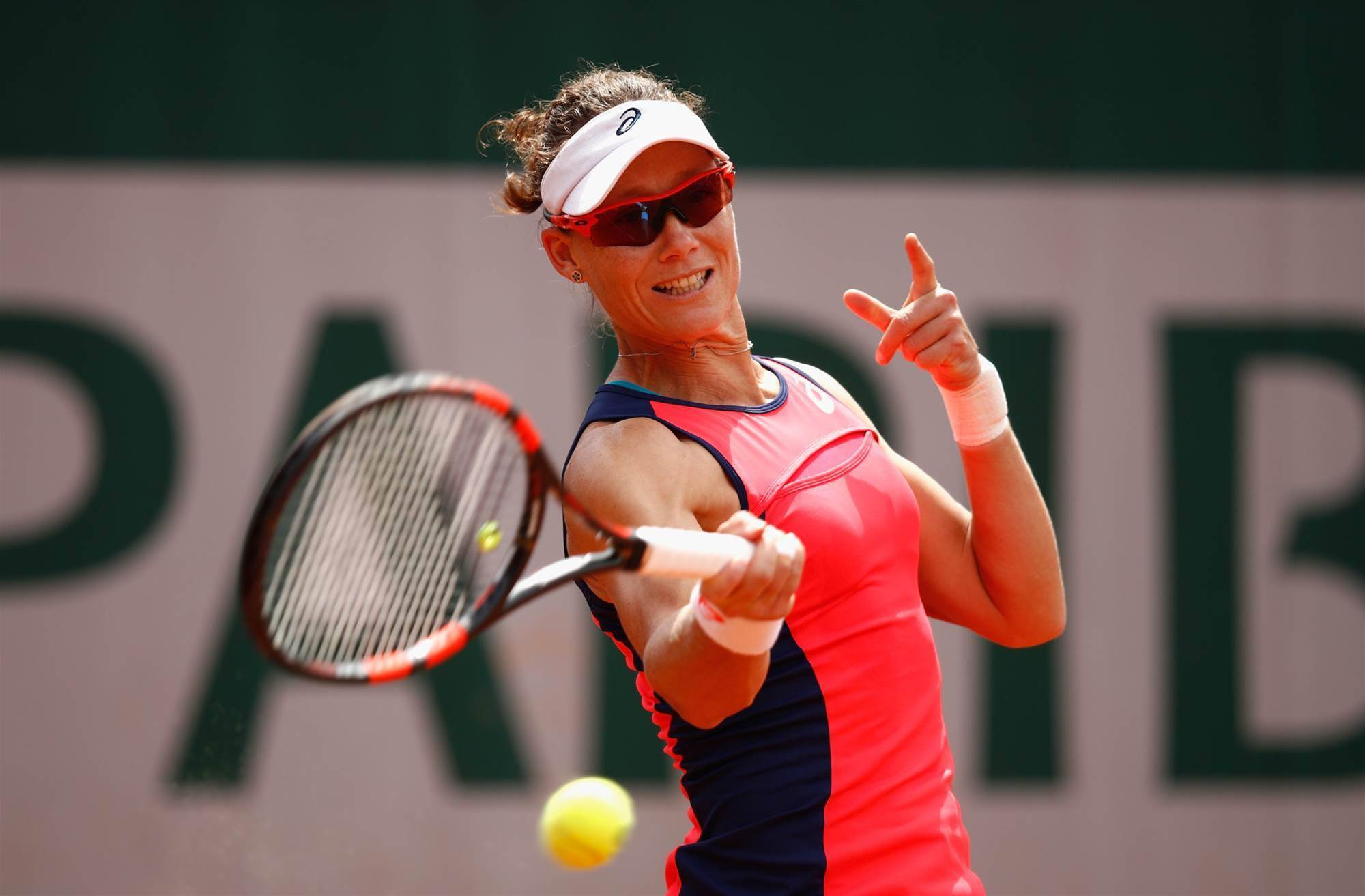 Stosur's Australian crown slips after French Open defeat