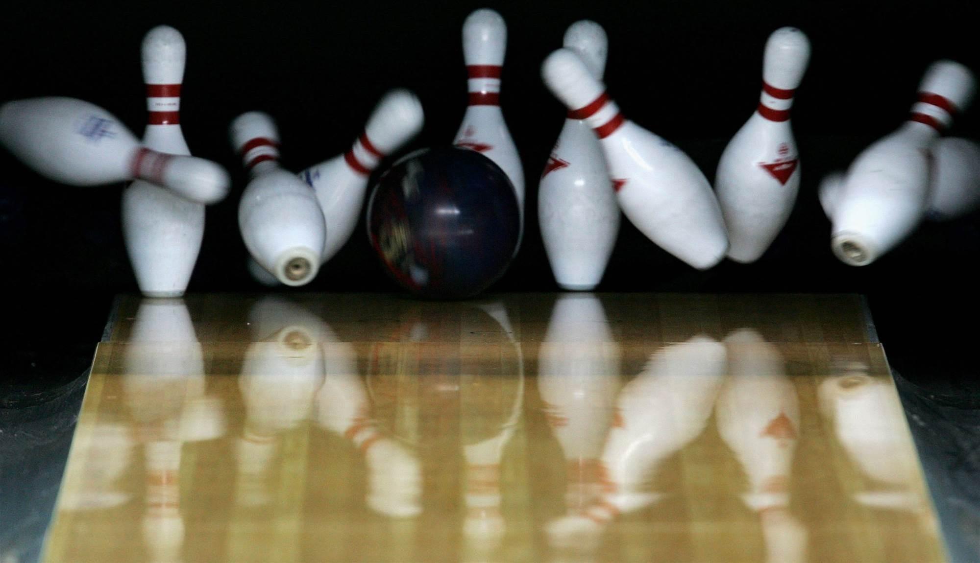 Denise bowls 'em over at Masters