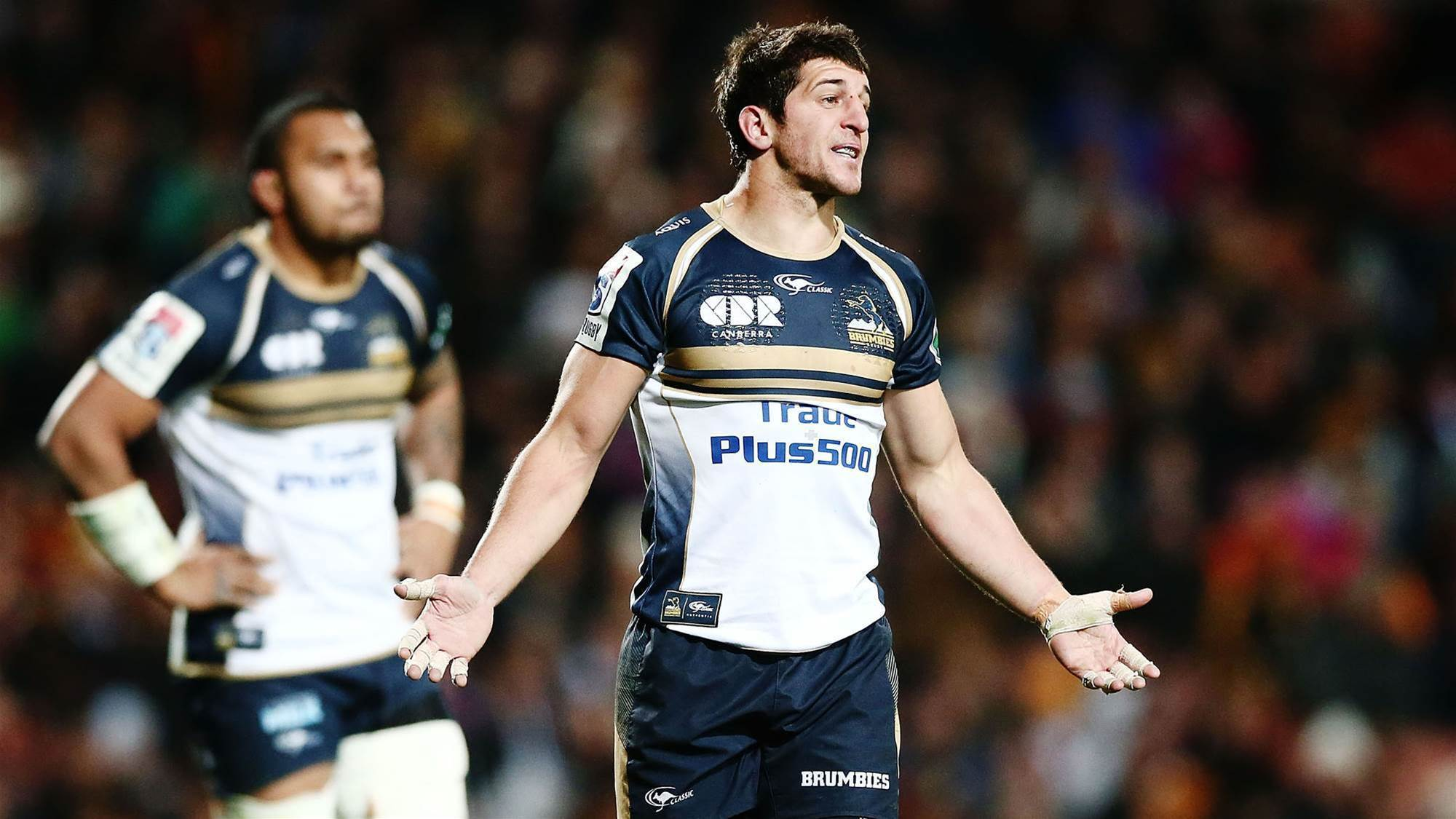 Brumbies duo sign overseas deals