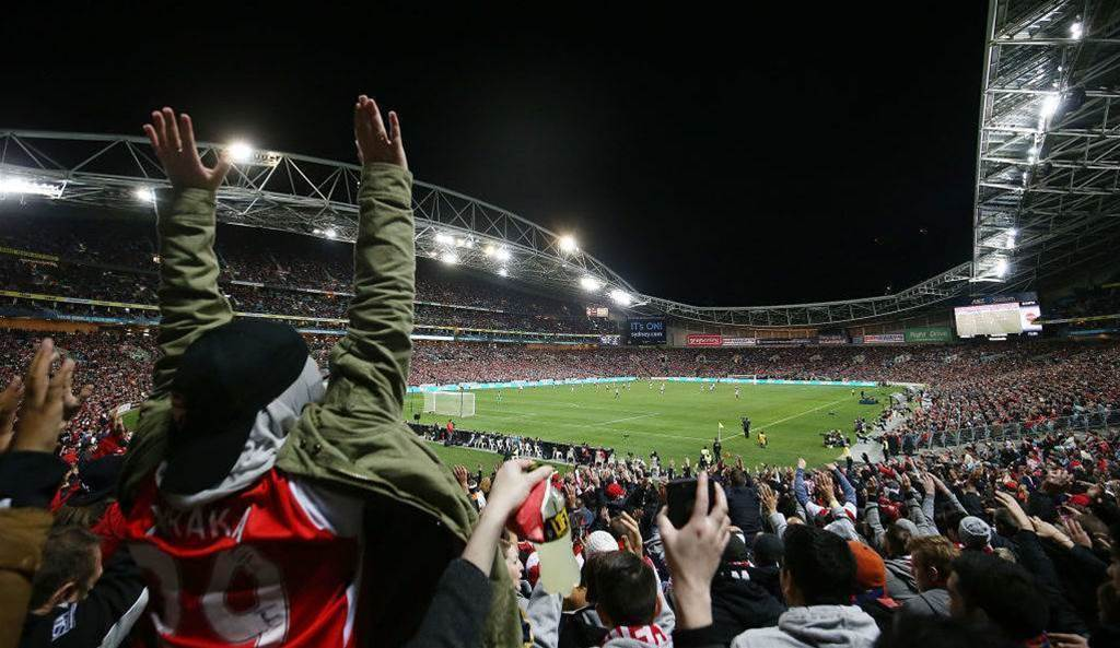 Wenger 'bewildered' by Australian crowds