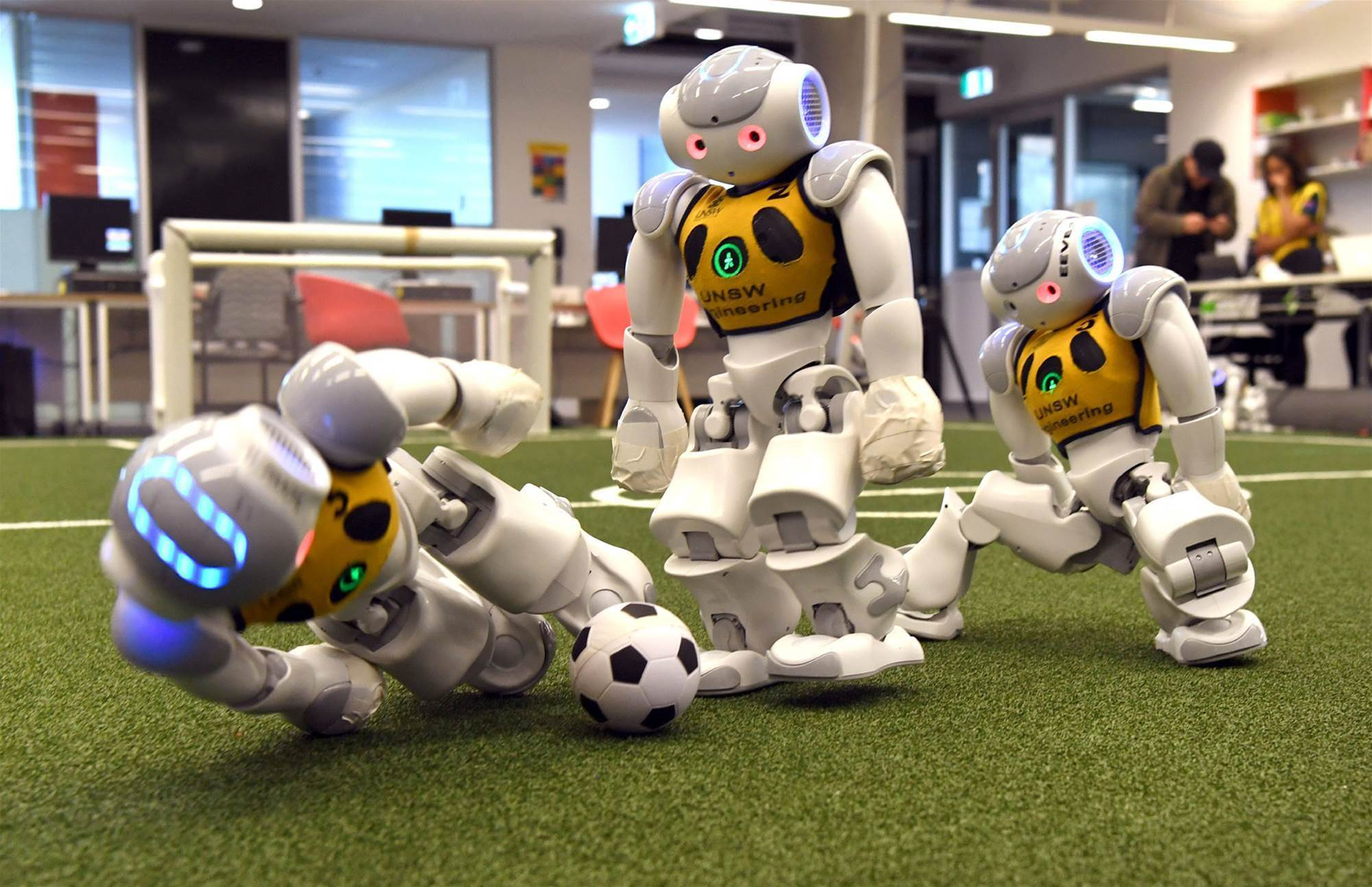 Aussie robo-stars shoot for record