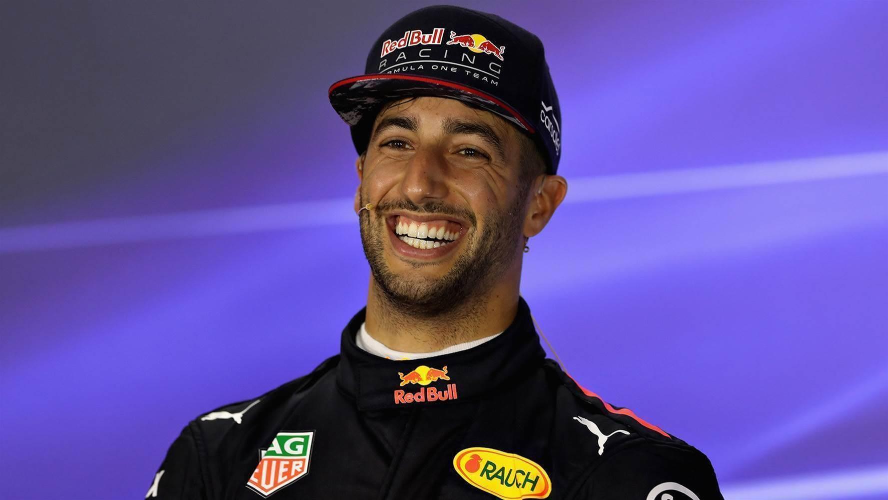 VIDEO: Ricciardo farts during press conference