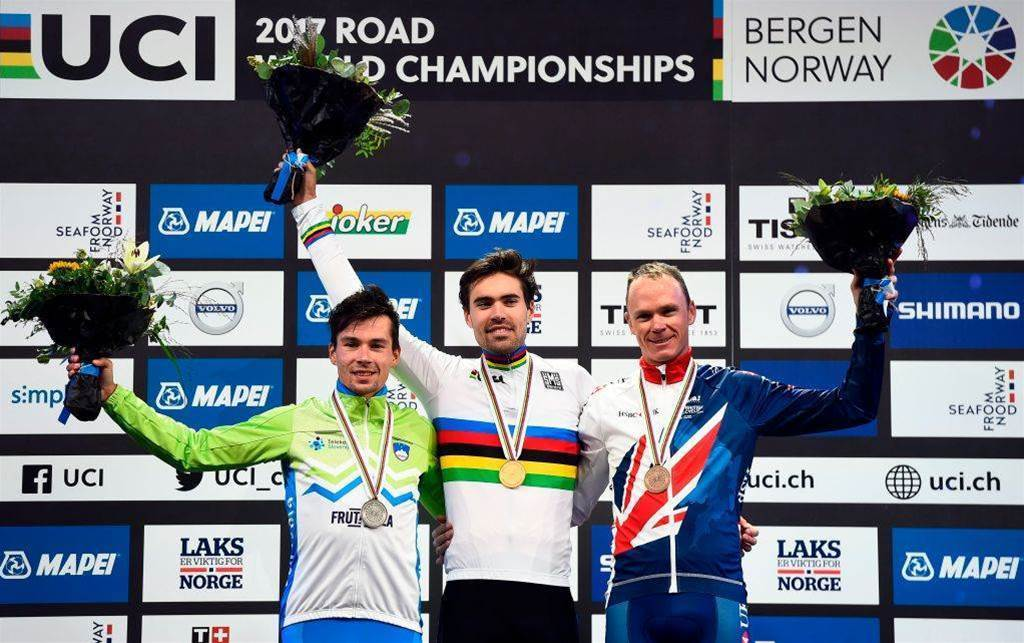 Tom Dumoulin beats Chris Froome to World time trial gold