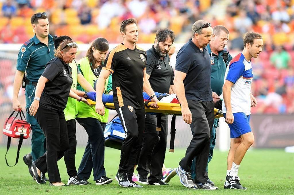 Vargas suffers sickening injury
