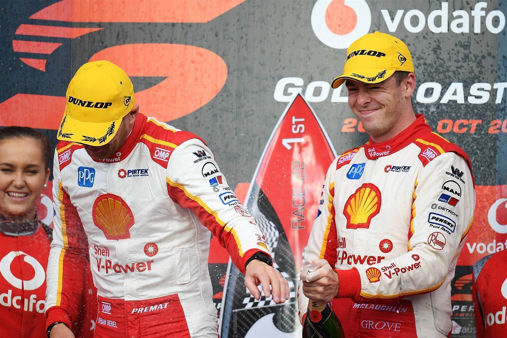 McLaughlin wins Surfers Supercars as title race tightens