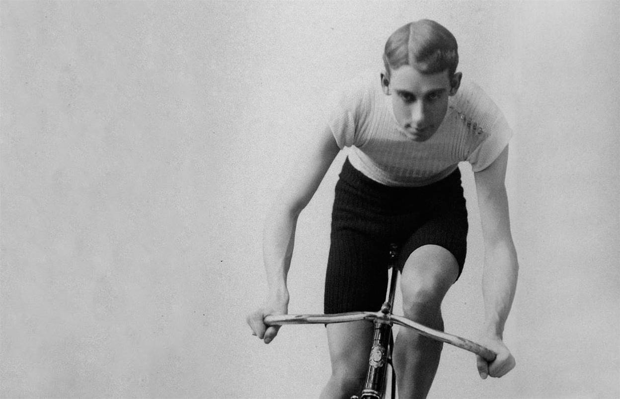 The evolution of cycle clothing