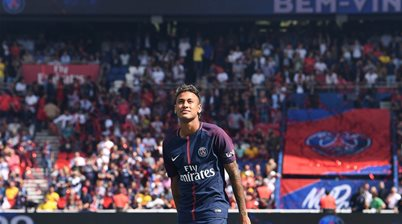 While you were sleeping - Neymar unveiled at PSG