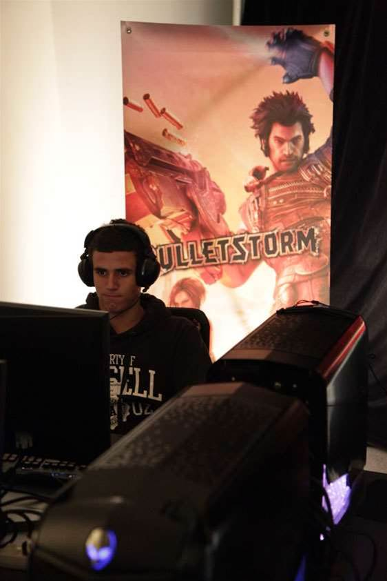 Bulletstorm LAN night - fun with double penetration