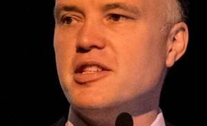 UK Govt pulls plug on large IT outsourcing deals