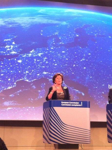 Neelie Kroes speaking at Connected Continent launch