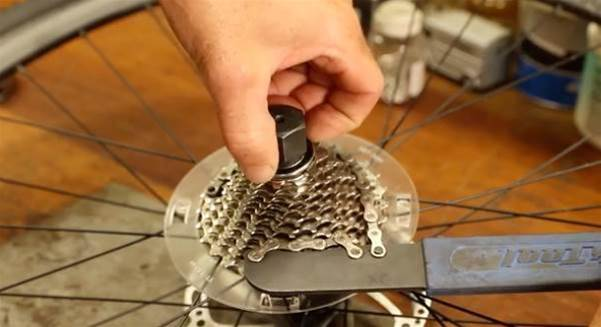How to guide: Removing a pie plate