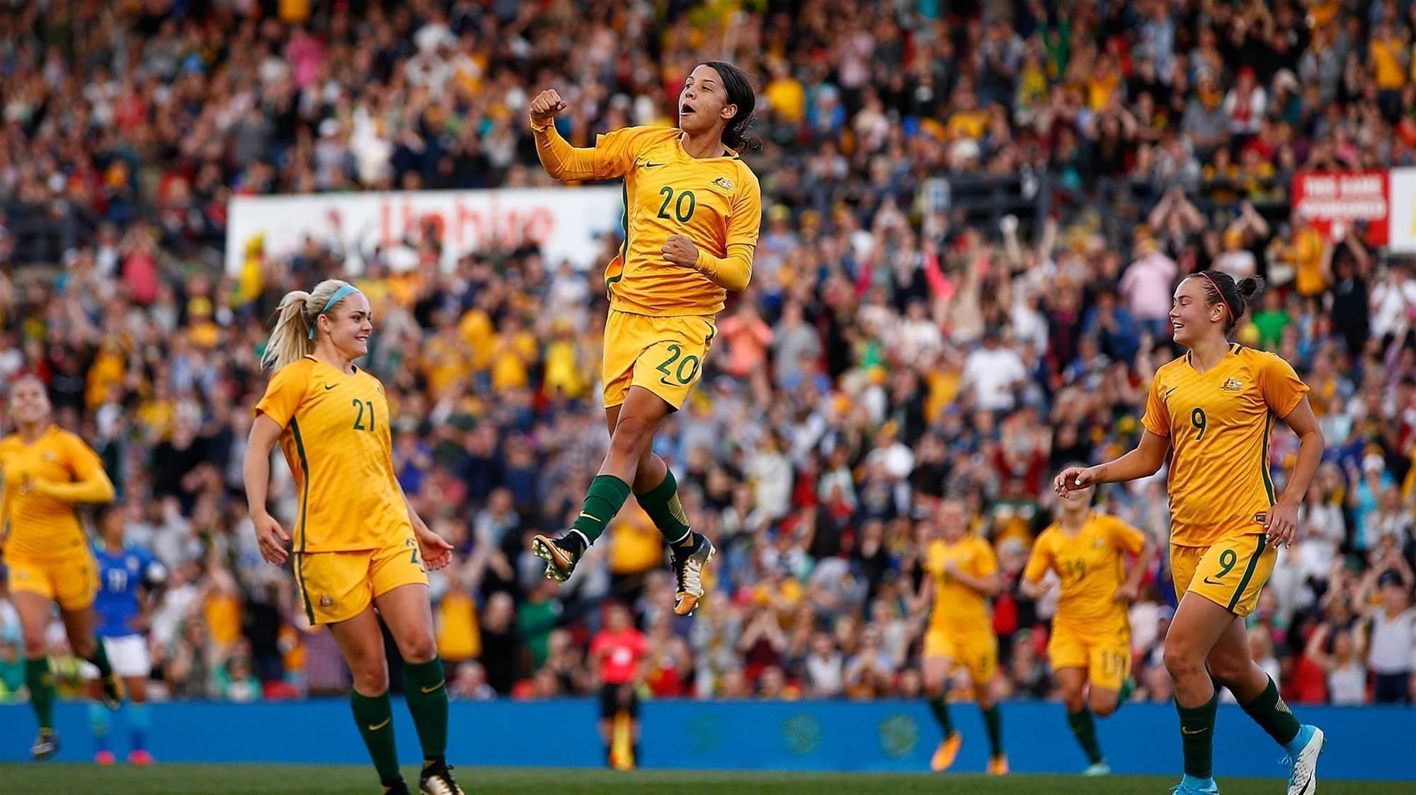 Matildas star Sam Kerr reaches the heights