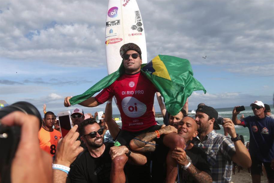 Reos win in Rio for Adriano