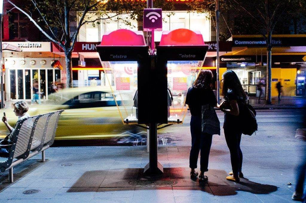 Telstra re-opens Air network for world wi-fi day