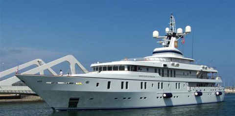 Students hijack luxury yacht with GPS spoofing