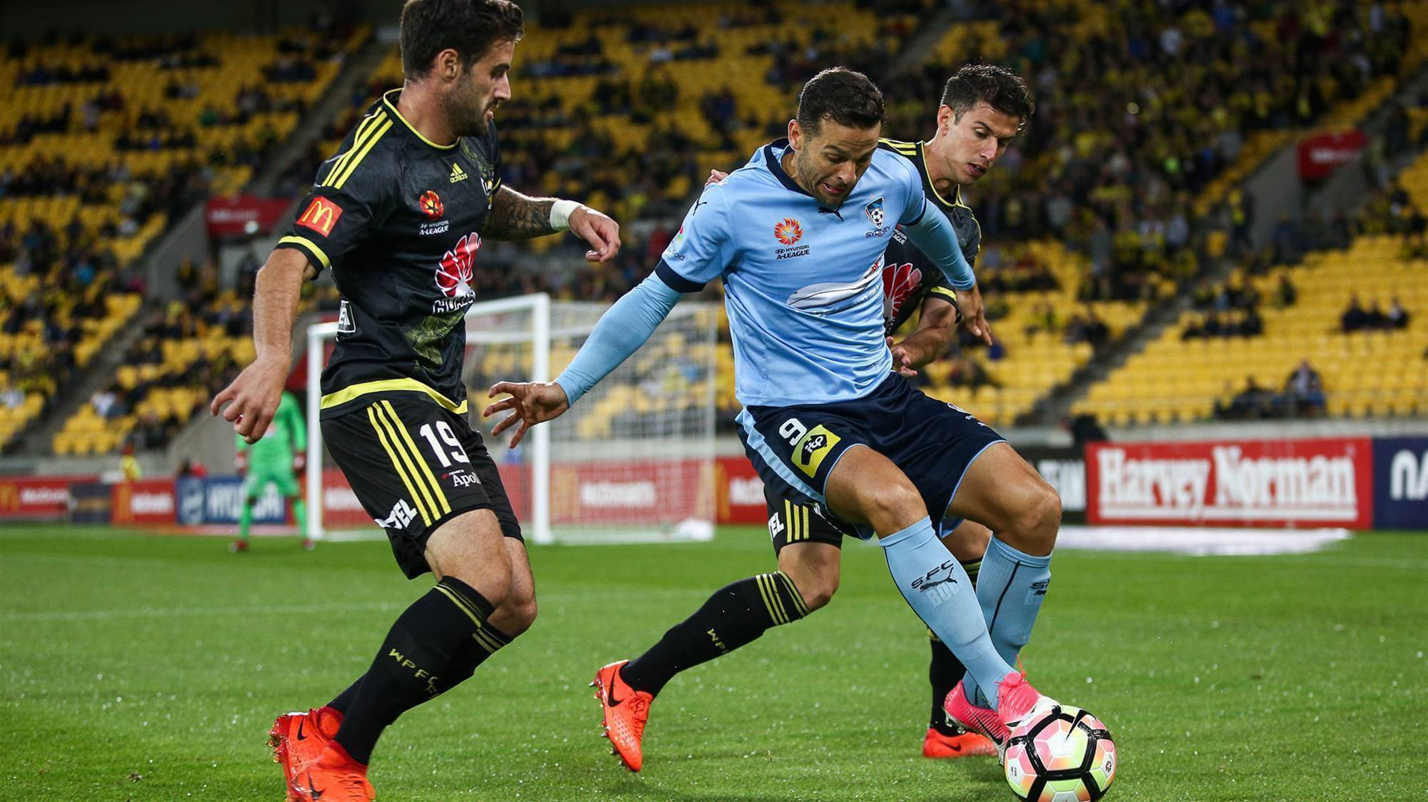 Nix rescue point after Sydney's VAR penalty