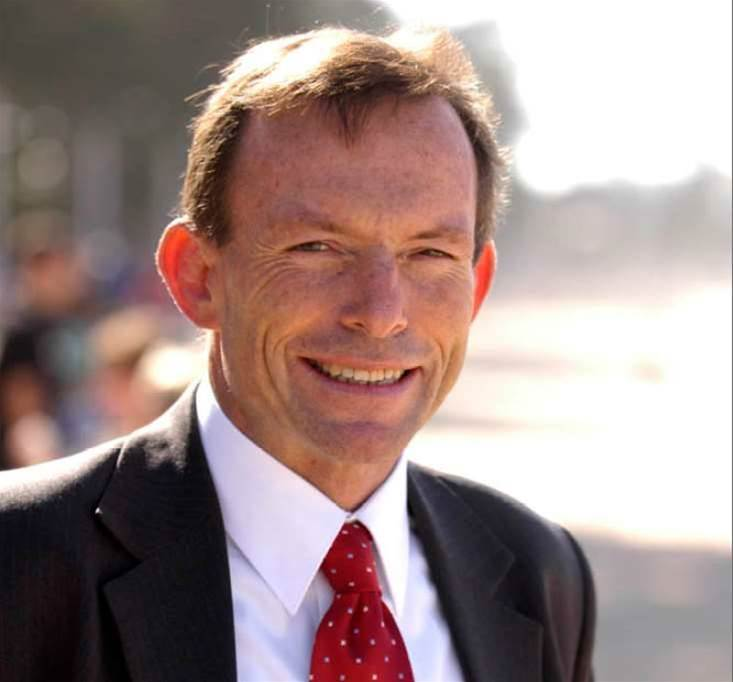 Abbott focuses Coalition education policy online